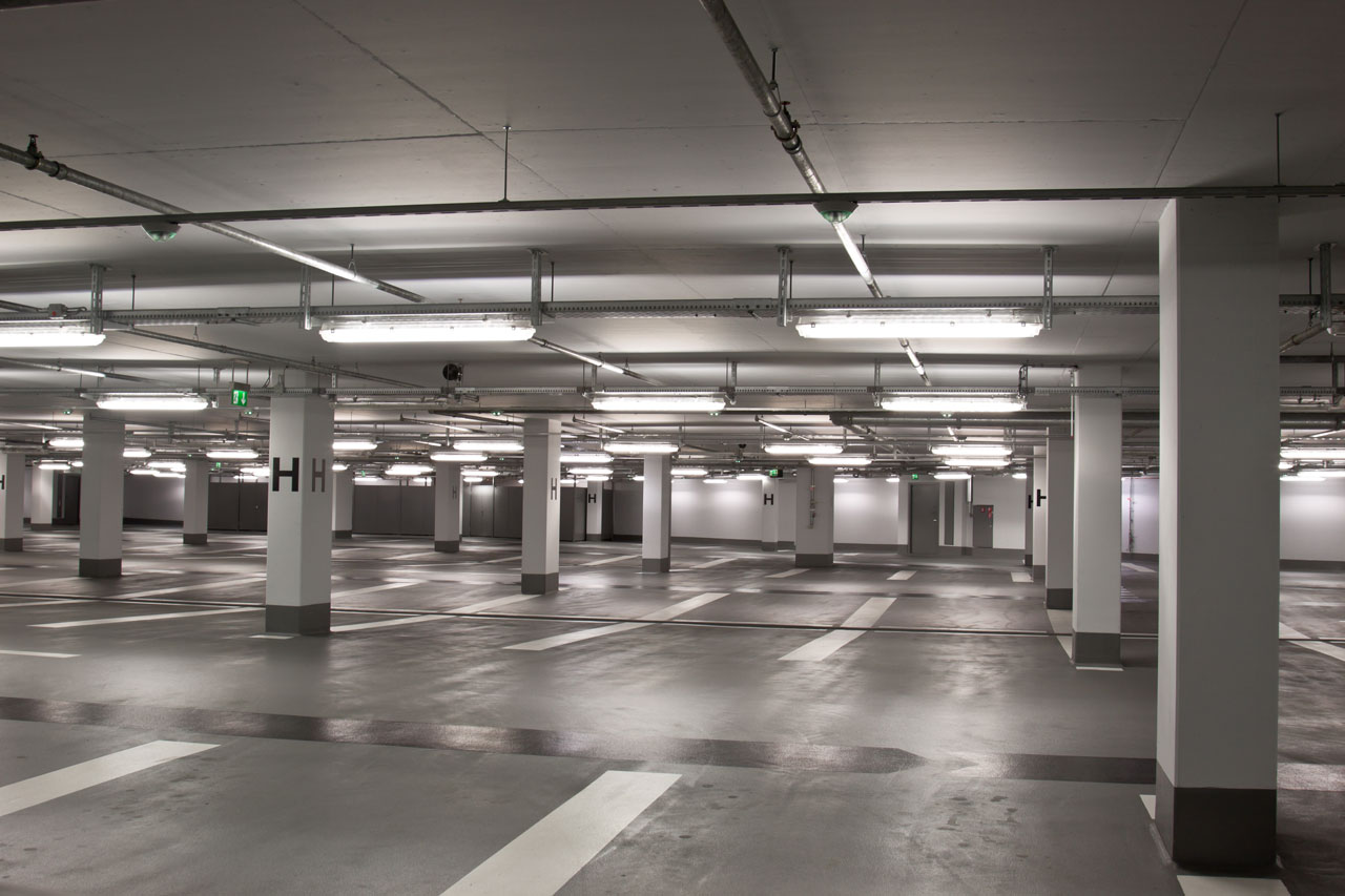empty-underground-parking-structure-157683856_4200x2800