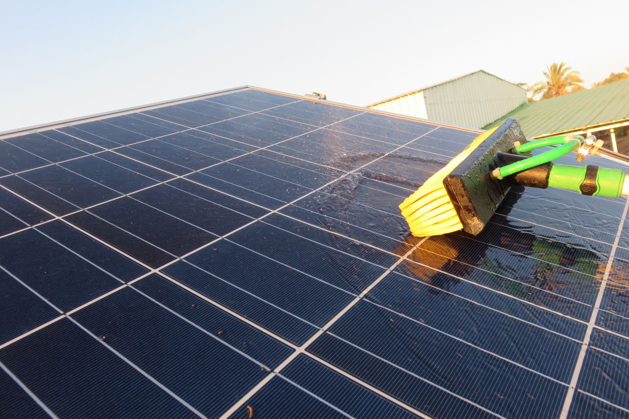 residential solar panel cleaning service